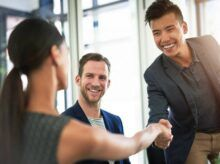 Descubra Como se Comportar no Primeiro Emprego